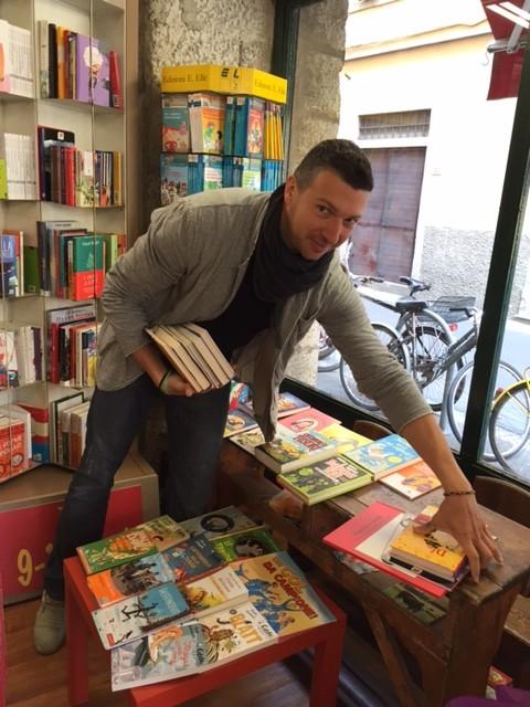 libri sospesi in viaggio verso l'altalena ? cooperativa sociale il ... - Libreria Per Ragazzi Pisa